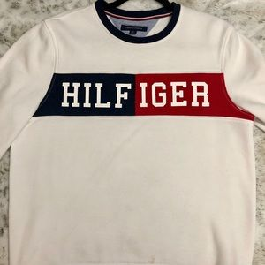 Logo Tommy Hilfiger sweater, gently used